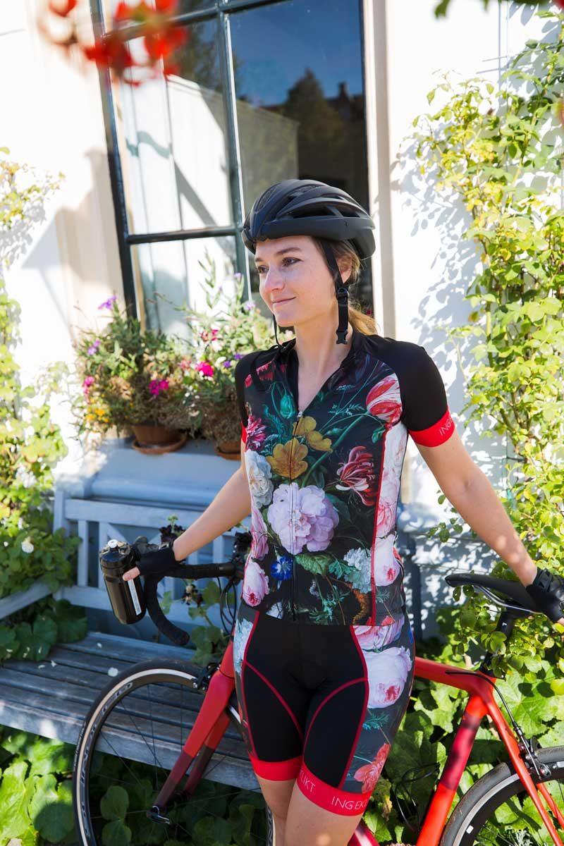 fietskleding-dames-bloemen-ingeklikt