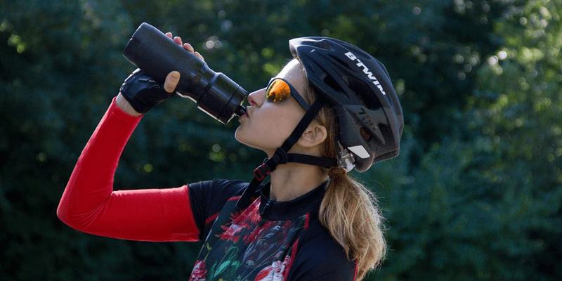 welke-sportdrank-koolhydraten-wielrennen