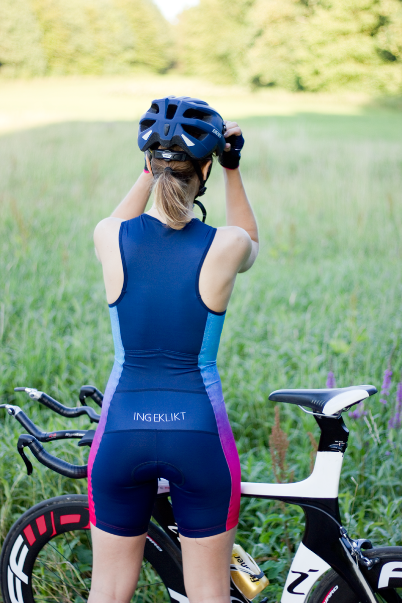 dames-triatlon-suit-donkerblauw
