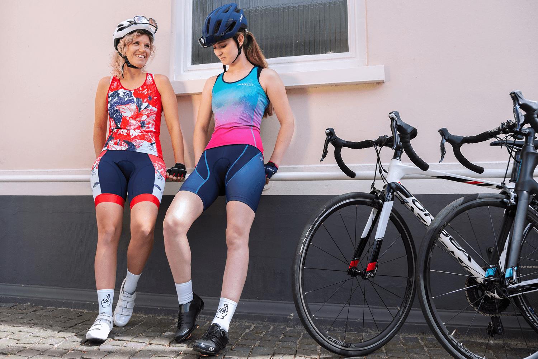 hippe-dames-fietskleding-ingeklikt-amsterdam