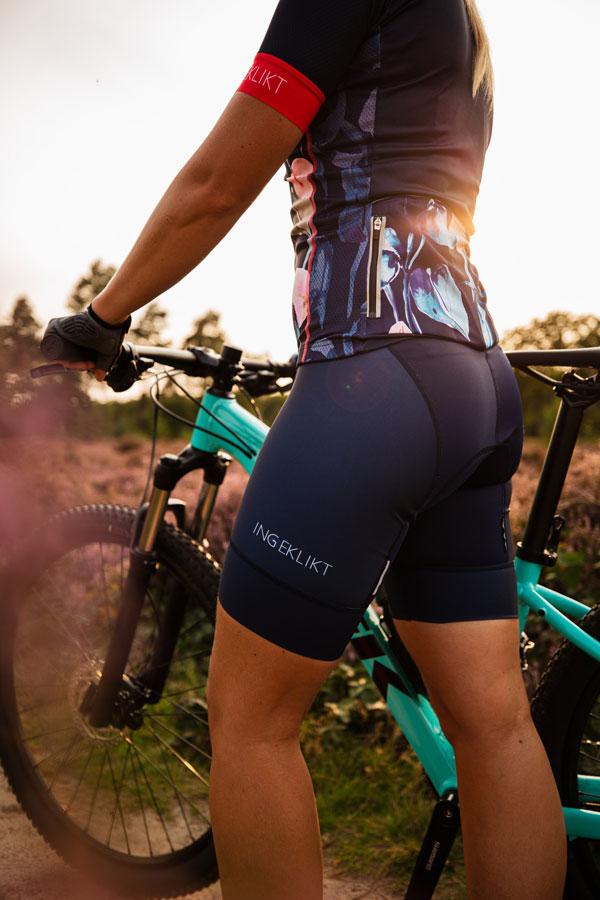 blauwe-dames-fietsbroek-met-rits
