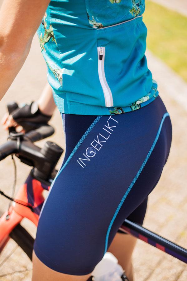 dames-fietsbroek-blauw-ingeklikt