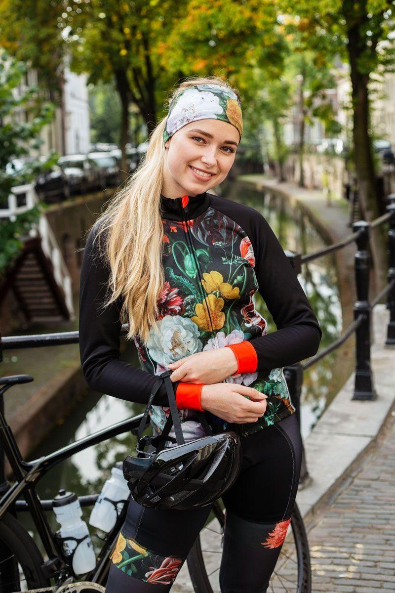 dames-fietsbroek-zonder-bretels-wielrennen-bloemen-ingeklikt