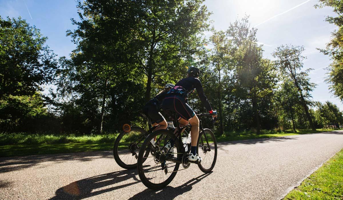 exclusieve-fietskleding-dames-ingeklikt