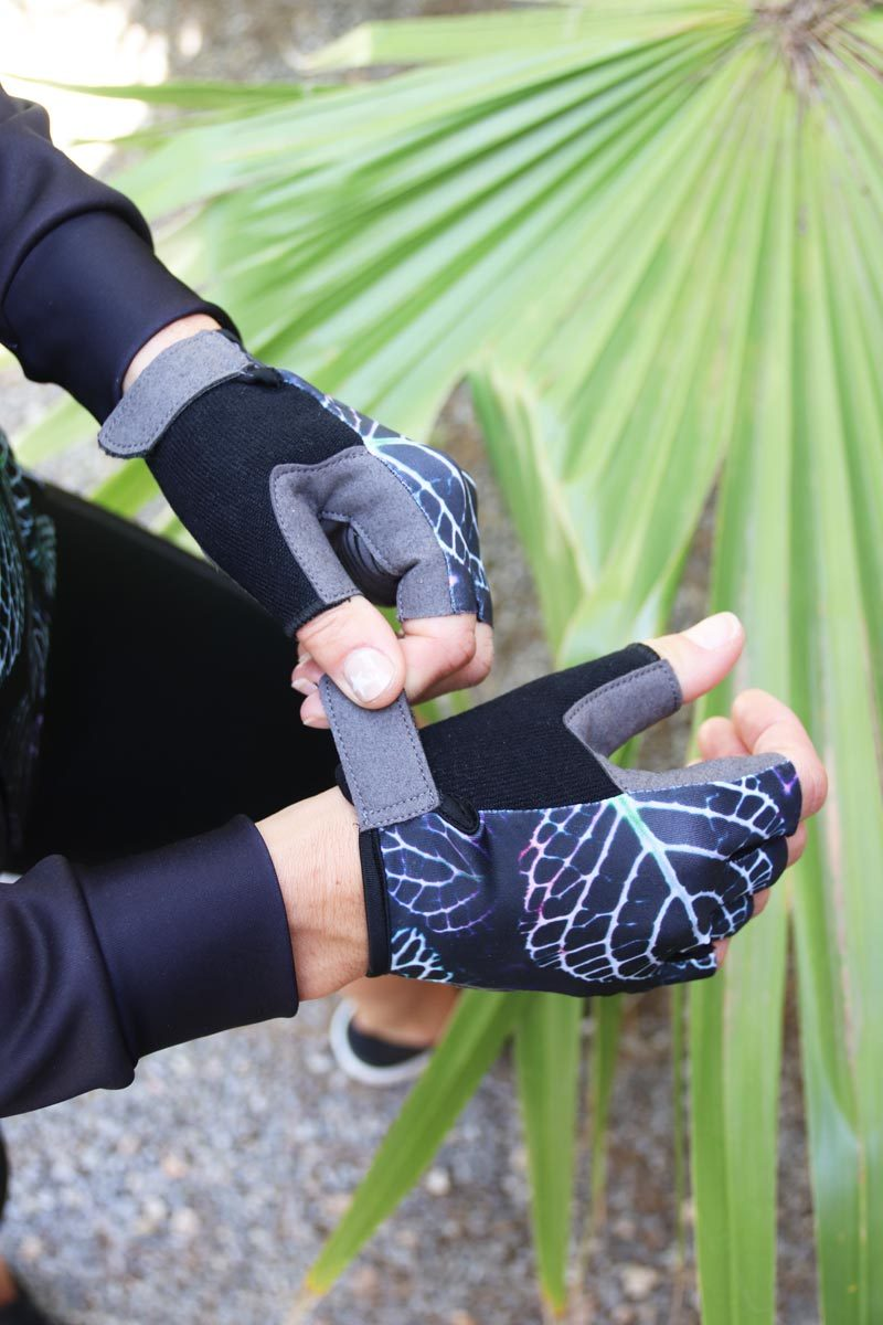 unique-gloves-womens-cycling